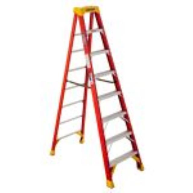 Where to find 8  STEP LADDERS in Austin